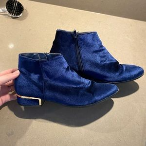 Expression blue velvet booties